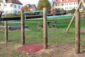 spielplatz-dreifach-reck-holz-heckele