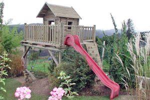 stelzenhaus-kinderspielhaus-rutsche-kletterwand-druckimprägniert-holz-heckele